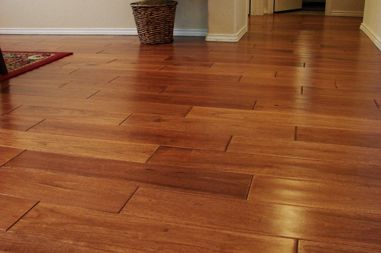 Laminate Floors: A Beautiful Option To Hardwood Floor